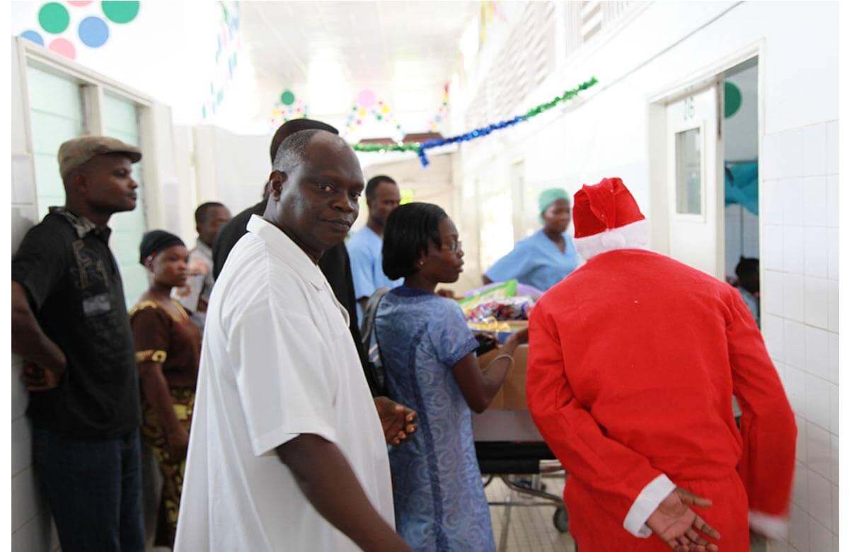 Santa Claus visits children's hospital